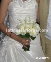 mexican calla lilies and white roses bouquet