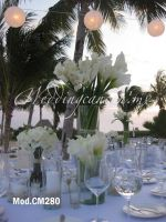 white roses and mexican calla lilies wedding centerpiece