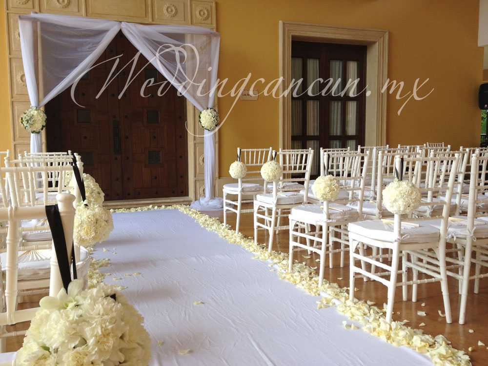 white wedding ceremony decir