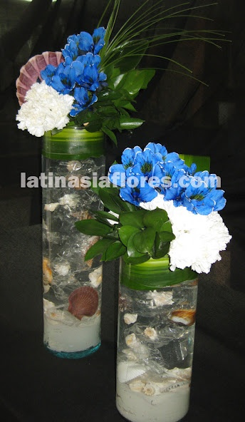 white carnations and blue alstroemeria wedding centerpiece