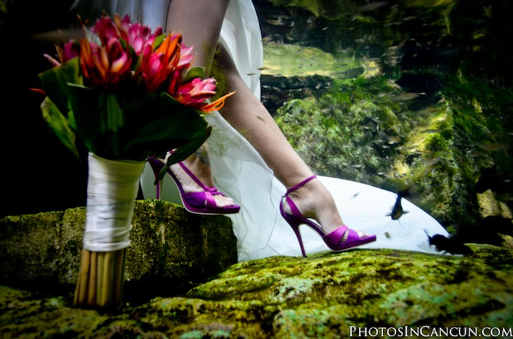 Trash The Dress - Underwater Photography Photos In Cancun