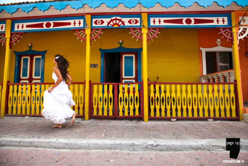 Trash the Dress - Isla Mujeres by Take it Photo 