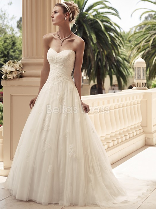A line Sweetheart Chapel Train With Appliques Tulle Unique Wedding Dress Source: http://www.bellasdress.com/a-line-sweetheart-chapel-train-with-appliques-tulle-unique-wedding-dresses-pd5602332.html