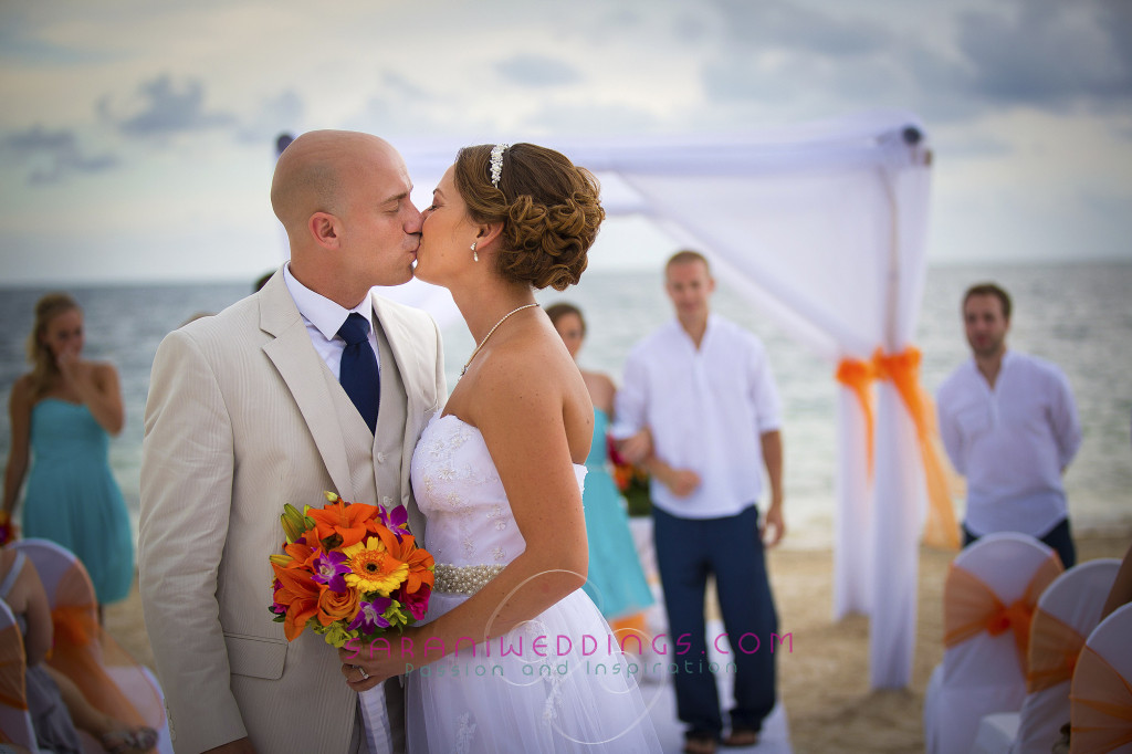 Now Sapphire Mayan Riviera Wedding Photography. By Sarani E.