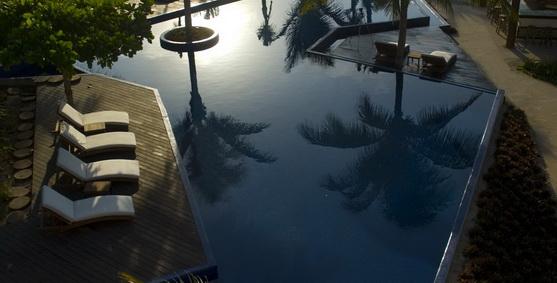 Le Reve infinity pool