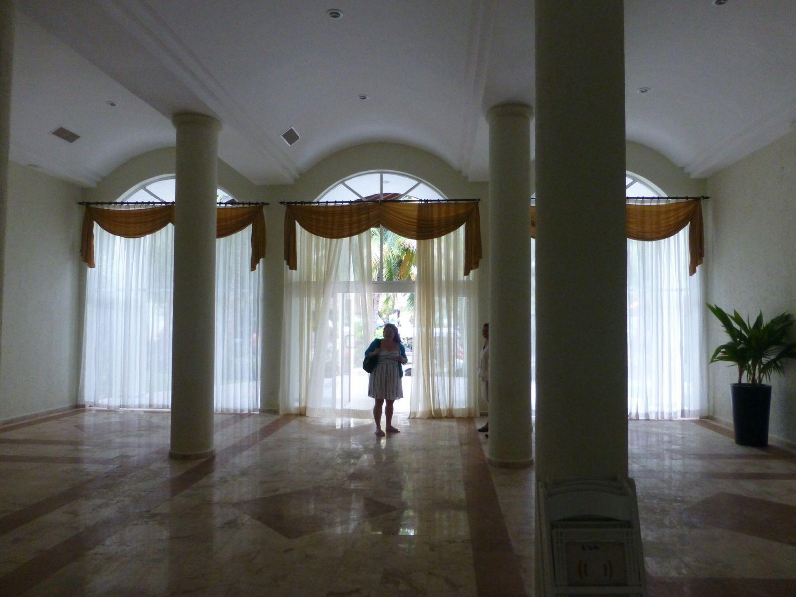 Salon Dorado