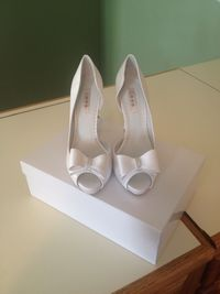 Love by Enzoani Caspia Shoes - NWB and never worn!! Size 7.5