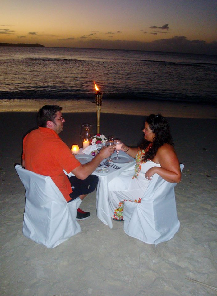 private candlight dinner on the beach - aHHmazing