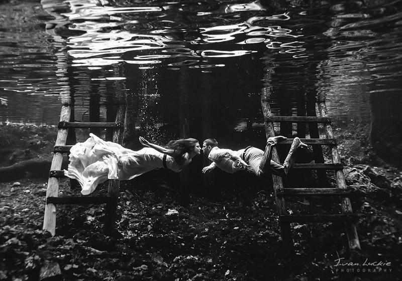 Eva Daniel   Underwater wedding photographer   Ivan LuckiePhotography 1