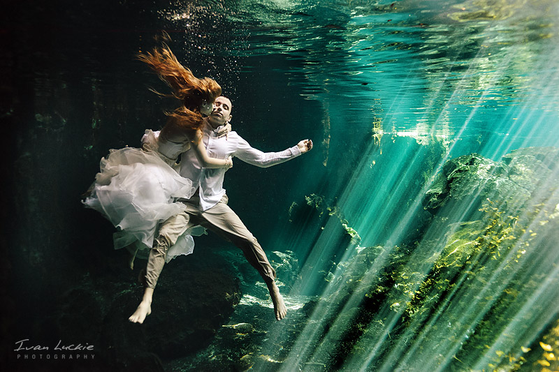 Sofia+Mike - Underwater trash the dress photographer - Ivan Luckie Photography-1.jpg