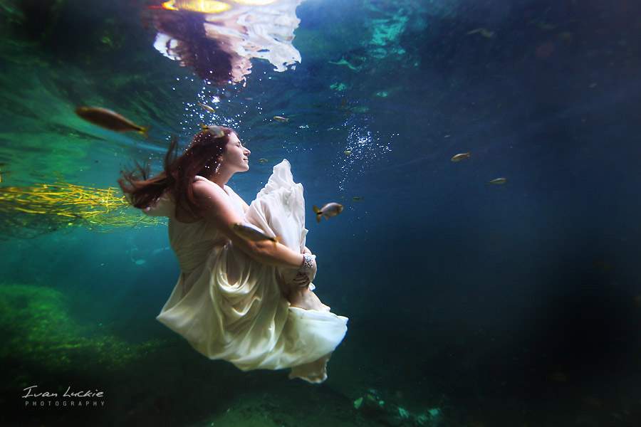 LuckiePhotography - Bride 3.jpg