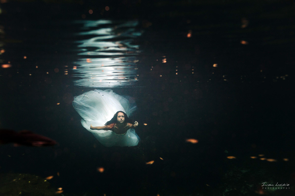 Christine John   Underwater cenote trash The dress Photography   LuckiePhotography 1