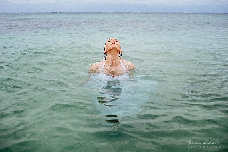 Rachael+Omar - Underwater Trash the dress Photographer - Ivan Luckie Photography-1.jpg