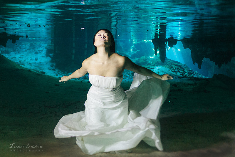 Judy And Victor    Underwater Trash The dress photographer   Ivan Luckie Photography 1