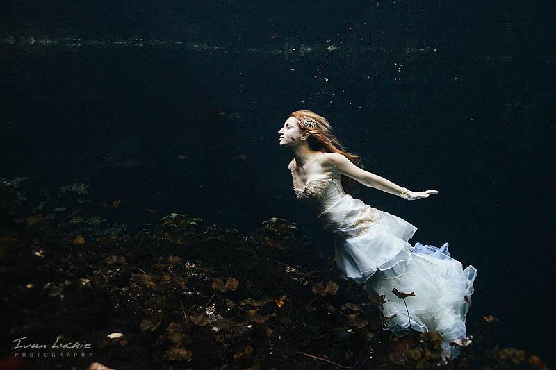Sofia+Mike - Cenote underwater Trash the dress Photographer - Ivan Luckie Photography-1.jpg