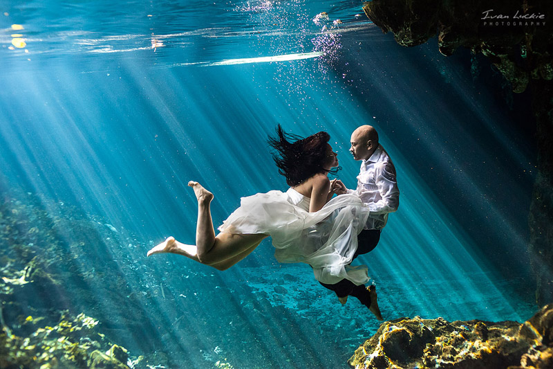 Noo+Tim - Underwater Trash the dress photographer - Ivan Luckie Photography.jpg