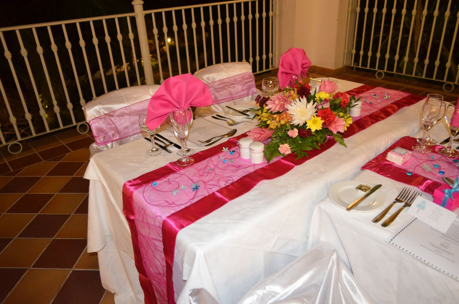 sweetheart table at end of long table