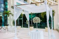 Live Aqua wedding setups l1066607