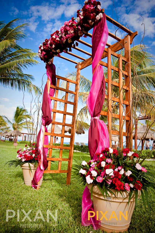 Secrets Capri | Cancun | Mexican wedding venues and setups |