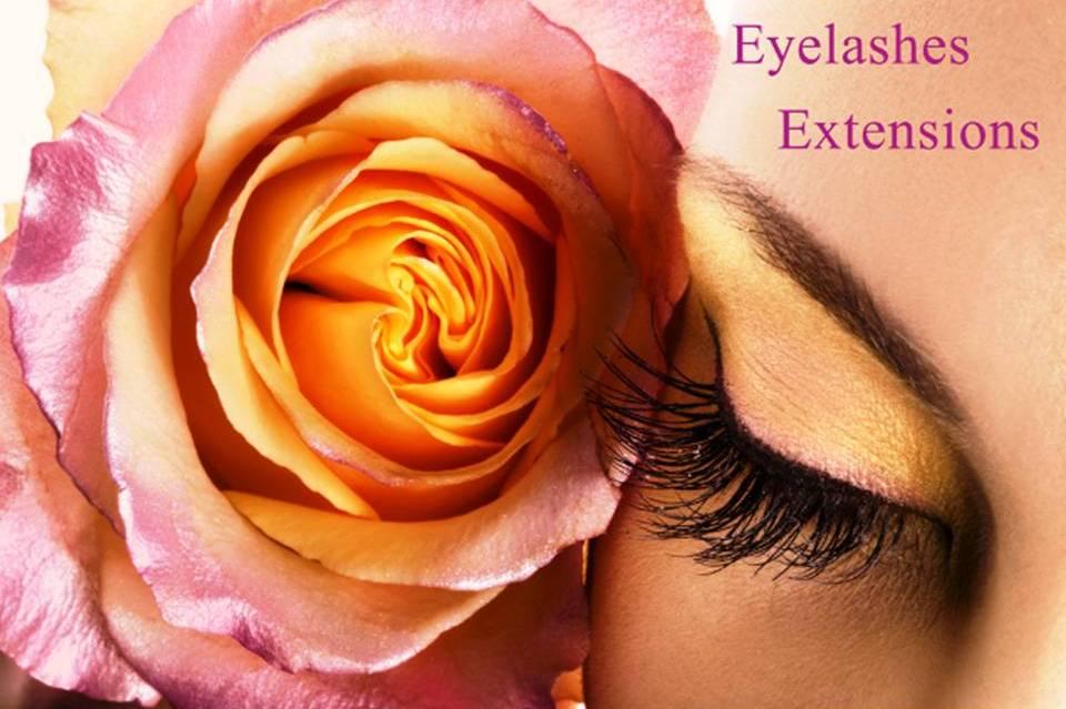 Natural eyeslashes Extensions