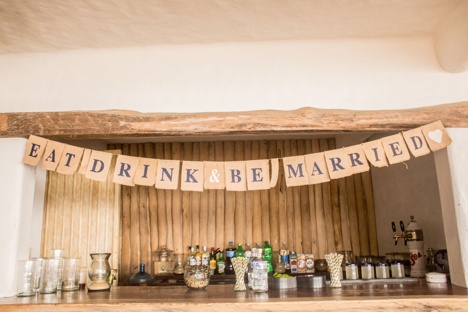 Great and funny signs for your wedding reception