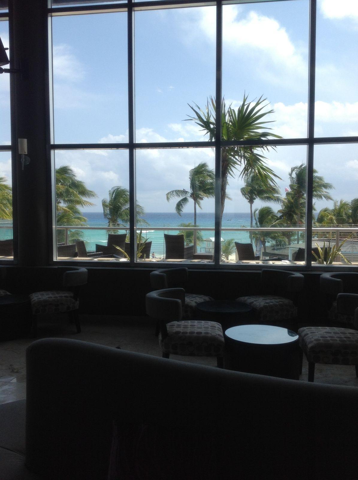 Lounge- Bar