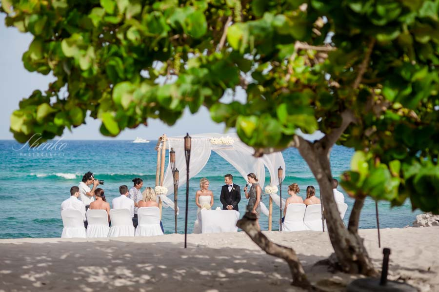 Some of my favorites pics from our wedding in Playa del Carmen