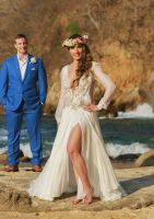 E&J 040516 LasCaletasWeddings, flower crown and an amazing wedding dress, perfect combination