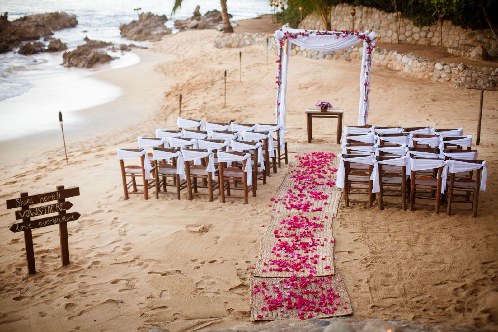 Adventure Weddings/ Ceremony decorations