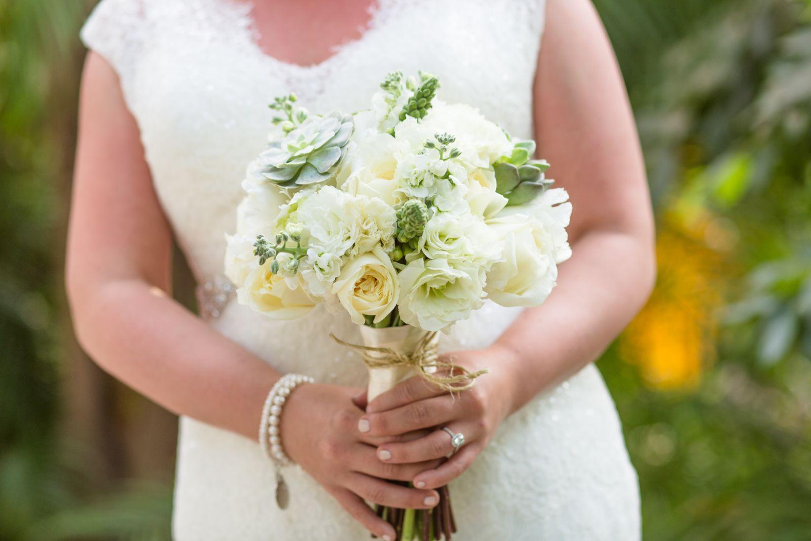 E&C romantic style for a wedding bouquet