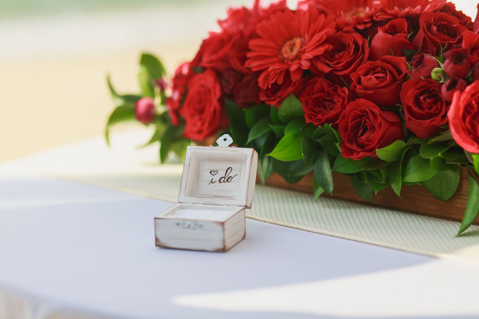 Red Roses, ceremony centerpice