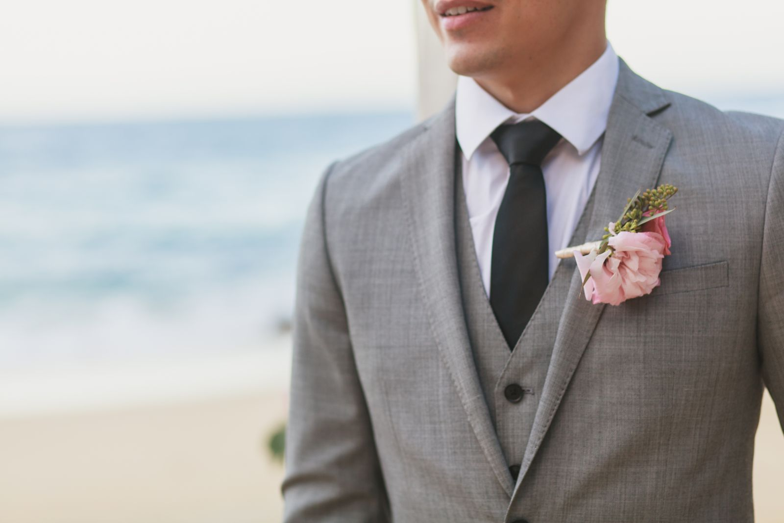pink groom´s boutonniere
