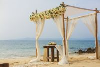 K&J lasCaletas, Trendy style for a beach wedding