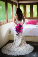 Tropical and exotic color mix for the bridal bouquet