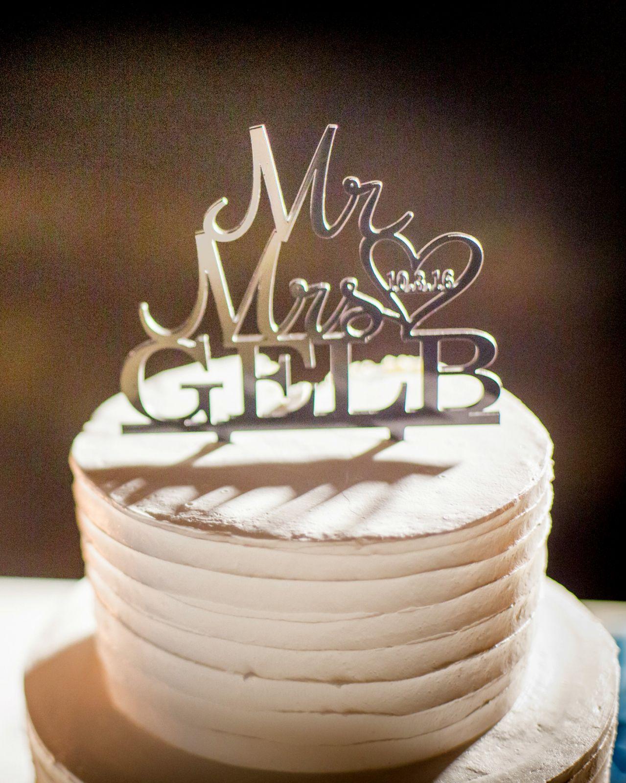 Wedding cake for 10