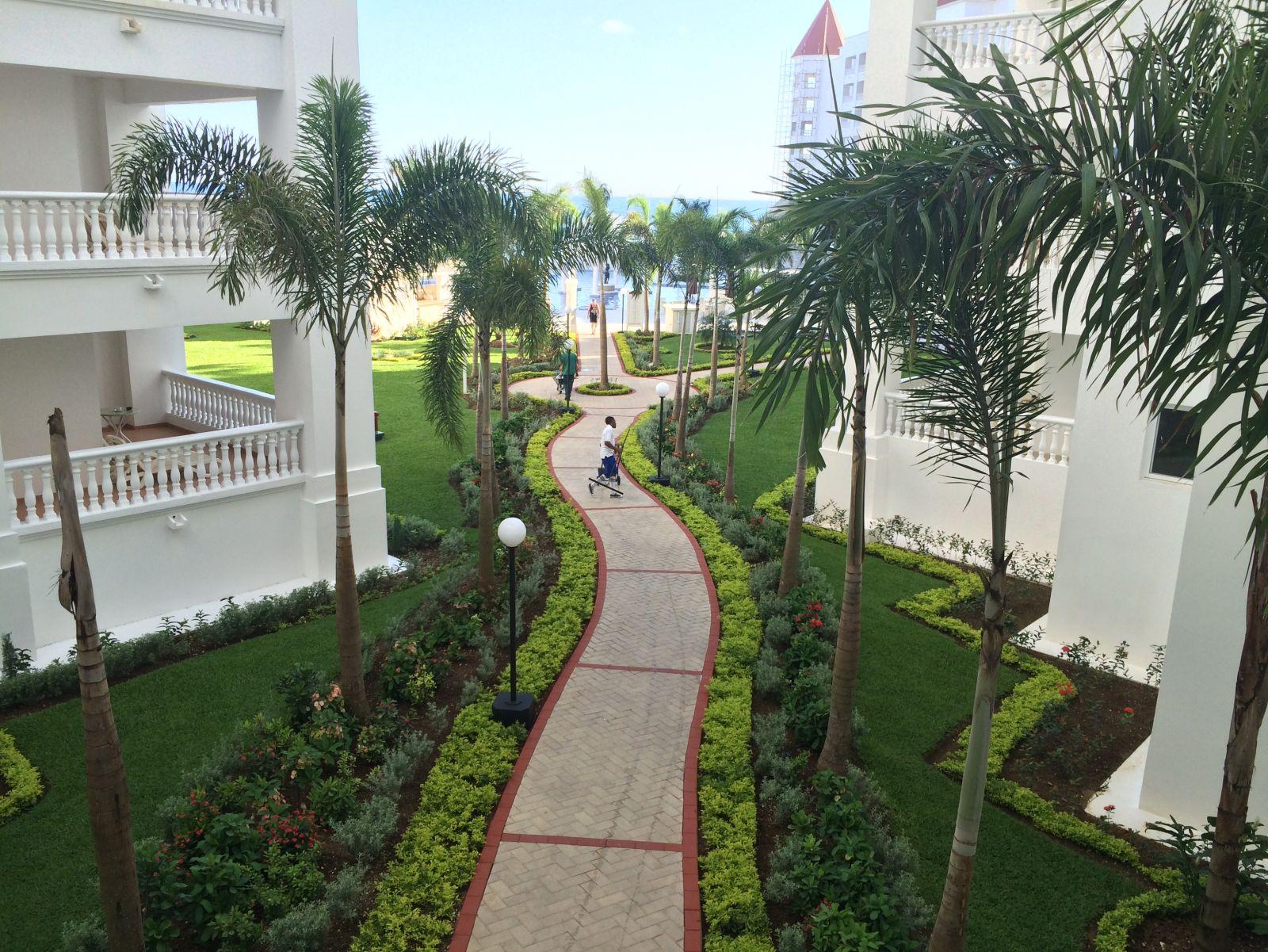 GBP Luxury Walkway to Pool