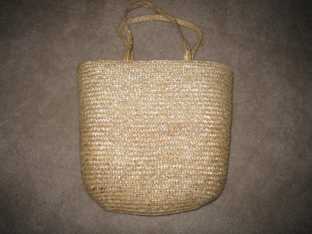 30 straw beach bags for $30.  Perfect for OOT!