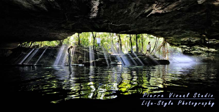 Viw of the full cave of the cenote