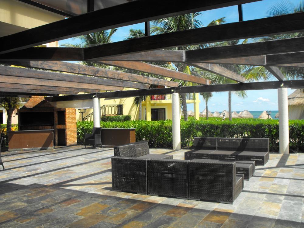 Terrace at villa Marina - semi-private reception