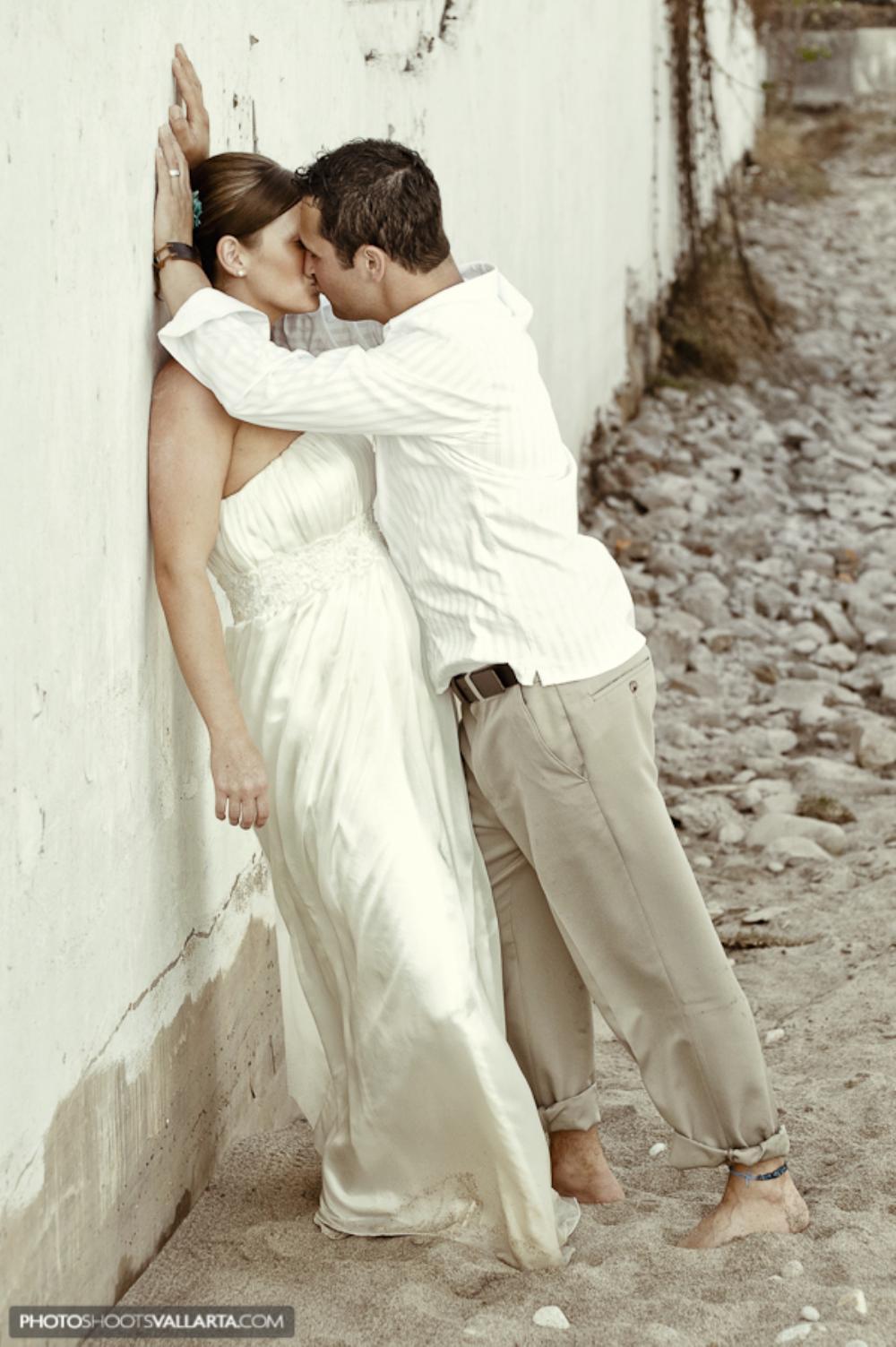 Photographers Eva Sica+Pierre Morillon www.PhotoShootsVallarta.com Location hotel Buena Ventura Wedding coordinator Gabriela Saucedo