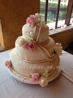 pink and ivory flowers decor, sweet as the cake itself!
