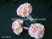 pink roses and pink mini gerbera daisies bridal bouquet