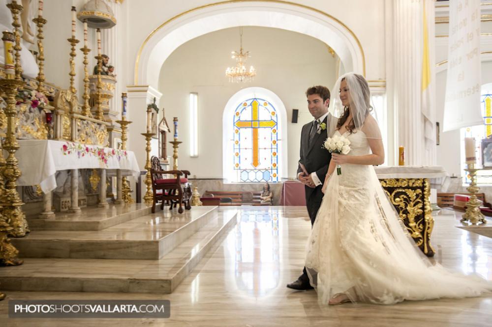 Wedding of Susan and Geno Hotel Velas, Catedral de Nuestra Señora de Guadalupe, Puerto Vallarta, Jalisco, Mexico Wedding planner www.chicconcepts.com.mx Photographer Eva Sica | PhotoShootsVallarta.mx weddings@photoshootsvallarta.com