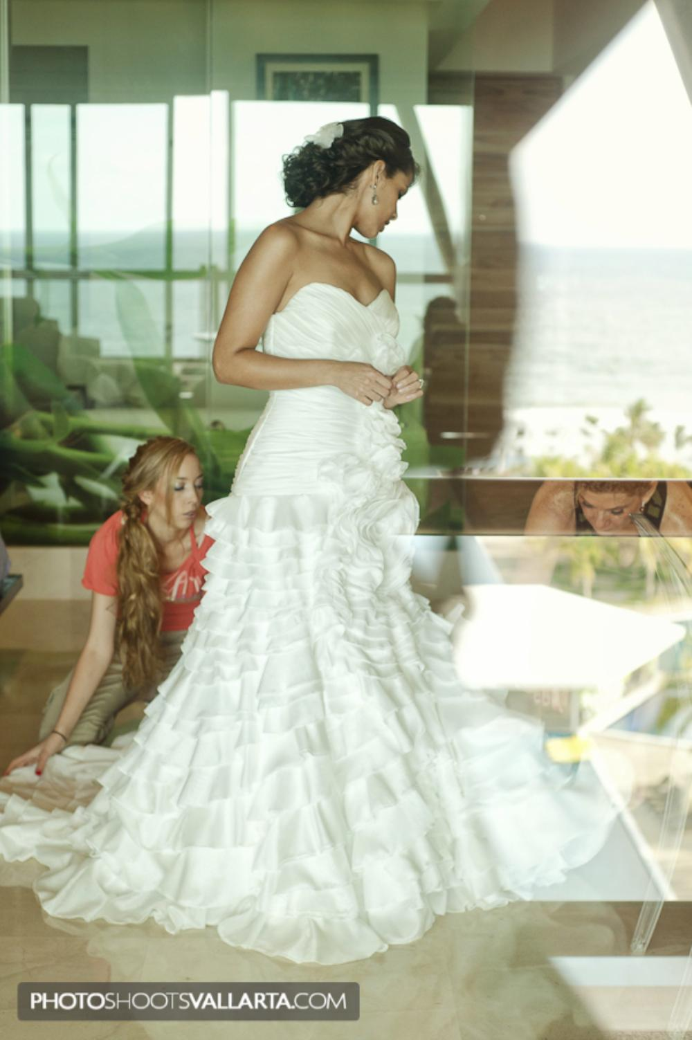 Pamela+Salvador   November 2011 Wedding in La Tranquila, Punta Mita, Mexico   by Eva Sica, http://www.PhotoShootsVallarta.mx