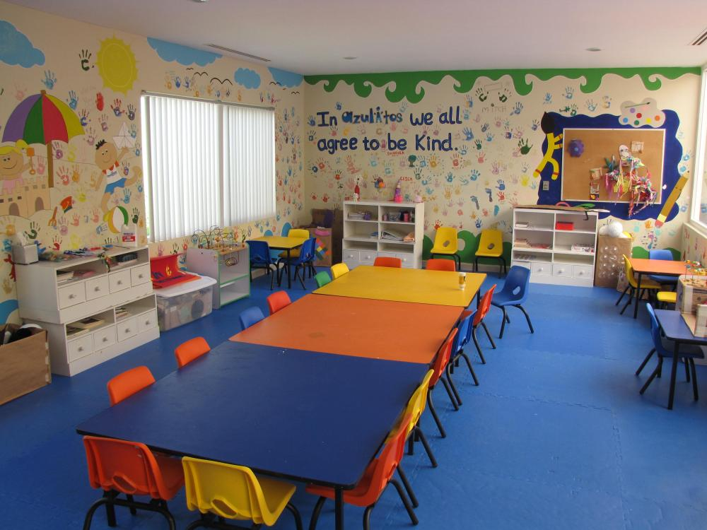 Azulito's Kids Club Arts and Crafts room