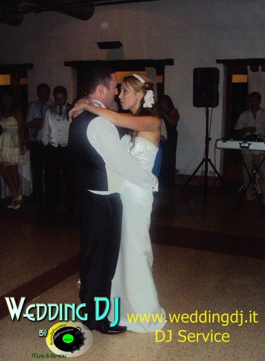 First Dance! http://www.weddingdj.it info@romadjpianobar.com