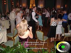 A guest in a wedding in a Rap... is good a funky of our DJ! http://www.weddingdj.it info@romadjpianobar.com
