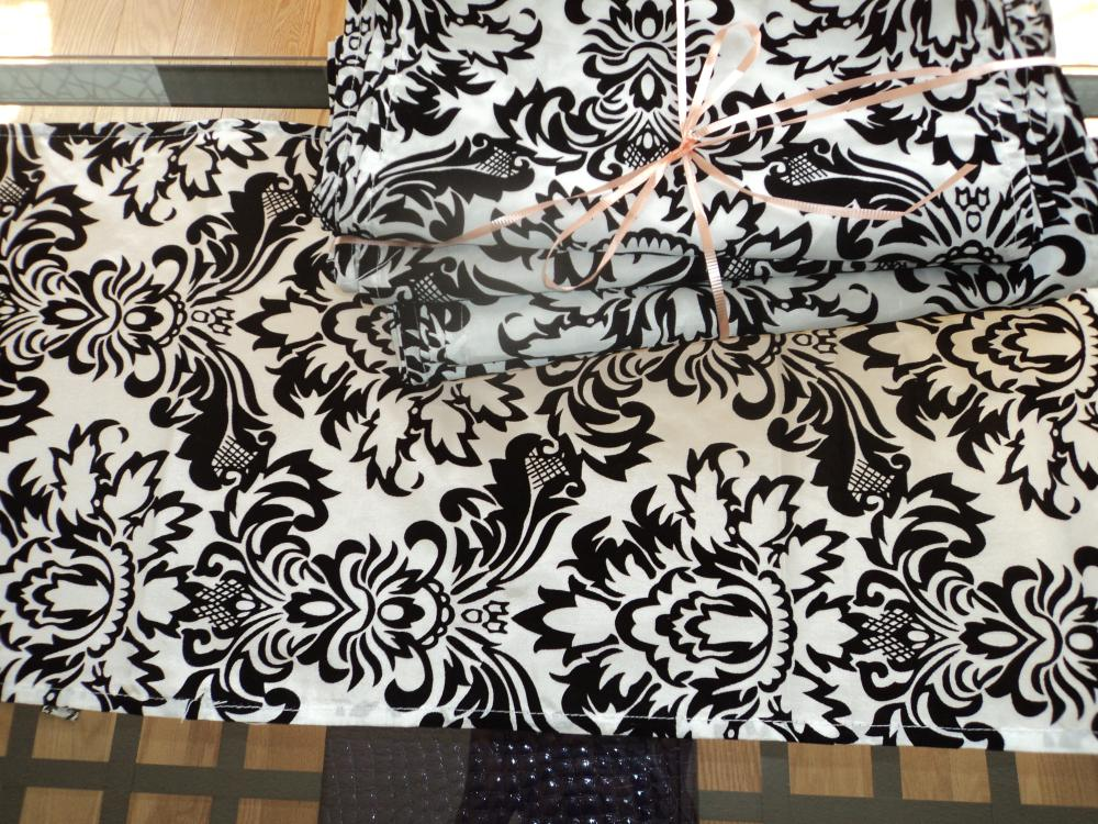 Damask table runners  Quantity : 6  Price: $3.00 / each