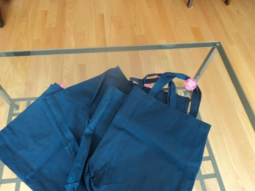 Blue Tote bags Quantity: 5 Price:1.00 each