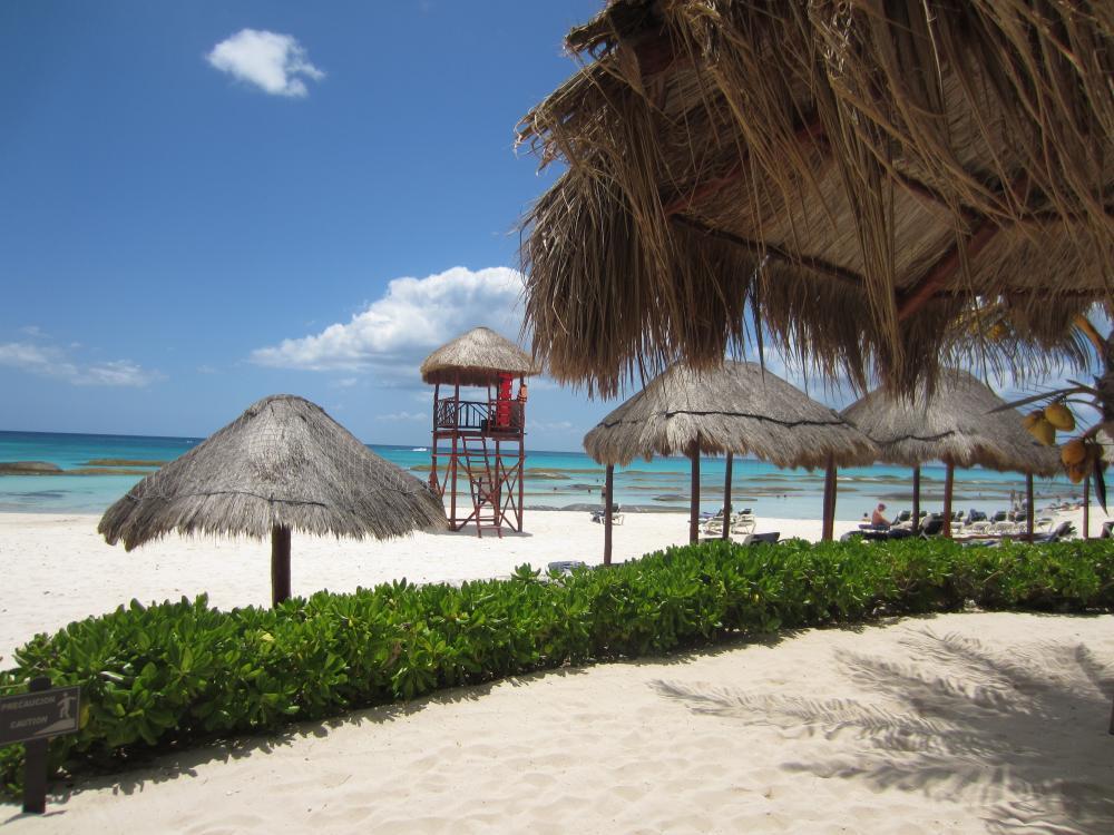 Beach at El Dorado Royale